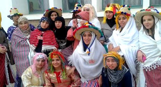 ثانوية الشريف الإدريسي بتطوان تحتفل باللباس التقليدي الجبلي