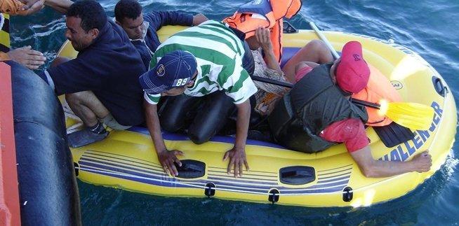 اعتراض 231 مهاجرا غير قانوني قبالة السواحل المغربية