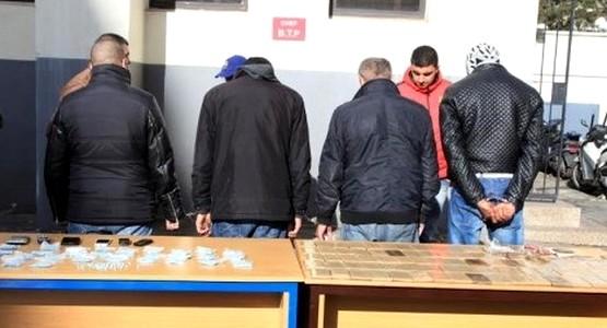 القبض على أربعة أشخاص وبحوزتهم وثائق مزورة ومخدرات بتطوان