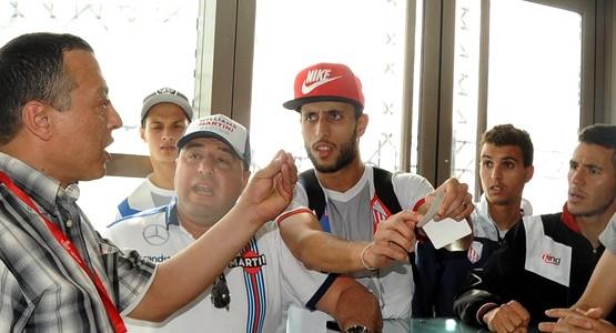 بعد تشريفهم للوطن … الخطوط الملكية المغربية تهين فريق المغرب التطواني