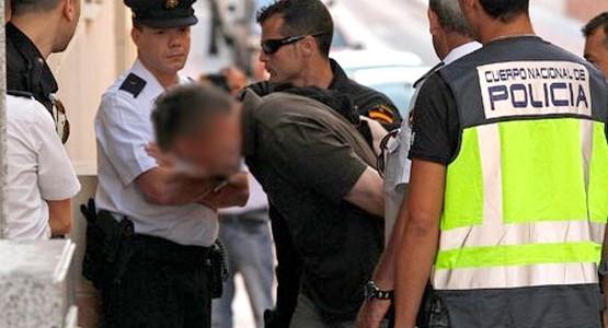 اعتقال مغربي باسبانيا بتهمة تزعم منظمة للتزوير