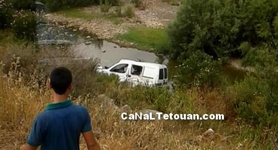 سيارة الشرطة تهوي في منحذر خطير بمنطقة الدردارة كانت متجهة الى تطوان