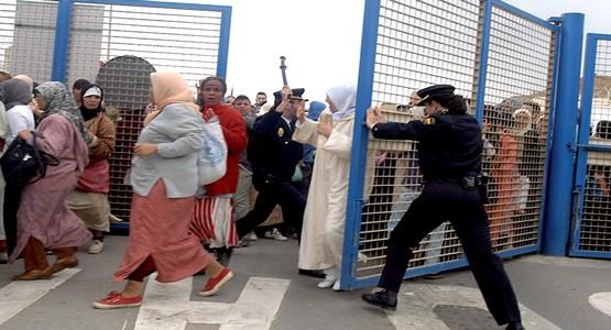 """بعد وفاة الام المغربية … إغلاق معبر ترخال 2 بباب سبتة في وجه """"التجار"""""""