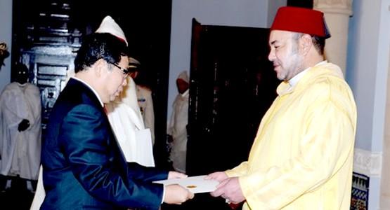 الملك محمد السادس يستقبل عددا من السفراء الأجانب بمدينة تطوان