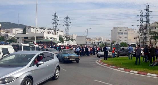 السلطات الأمنية تمنع الجماهير التطوانية من الذهاب الى طنجة (صور)