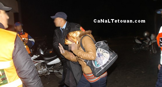 الشرطة تداهم منزلا معدا للدعارة بحي الديزة بمرتيل وتعتقل 3 رجال متزوجين و3 فتيات !