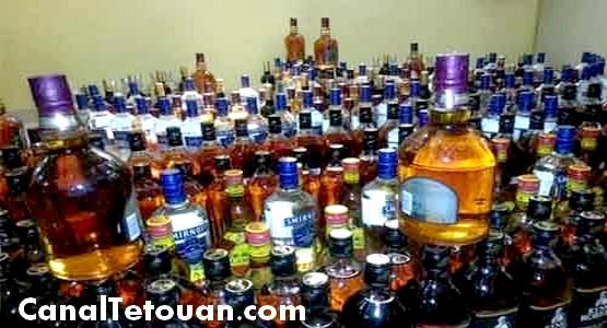 """اعتقال أحد أكبر مروجي الخمور بحوزته كمية هائلة من """"الويسكي"""" داخل مخزن بمرتيل"""