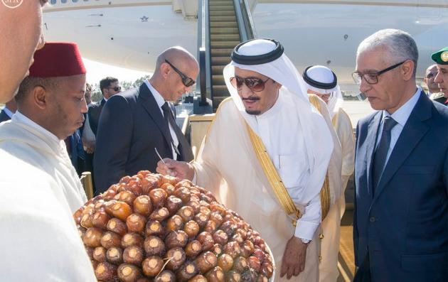 ملك السعودية يصل الى طنجة لقضاء إجازة خاصة .. والطالبي في استقباله !