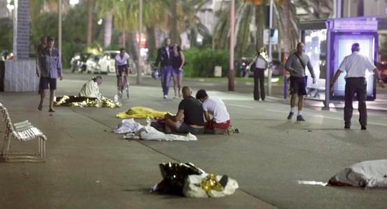 عشرات القتلى في هجوم على نيس الفرنسية