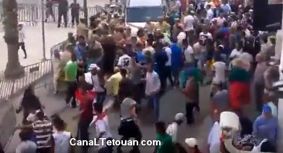 اشتباكات خطيرة بين رجال الأمن و الفراشة بشارع الجزائر بتطوان (شاهد الفيديو)