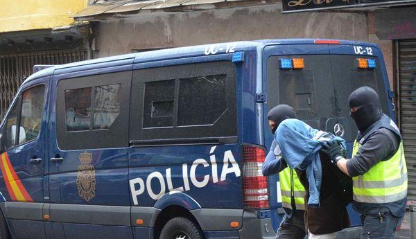 """الشرطة الإسبانية تعتقل مغربيين متهمين بتمويل تنظيم """"داعش"""""""
