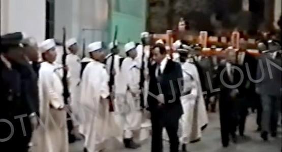 فيديو من الأرشيف : لحظة وصول والي ولاية تطوان سنة 1998 لحضور حفل عيد العرش بشركة التبغ