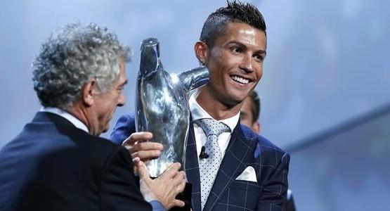 رسمياً .. كريستيانو رونالدو يتوج بجائزة افضل لاعب في أوروبا
