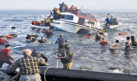 إسبانيا تنقذ 44 مهاجرا من الغرق