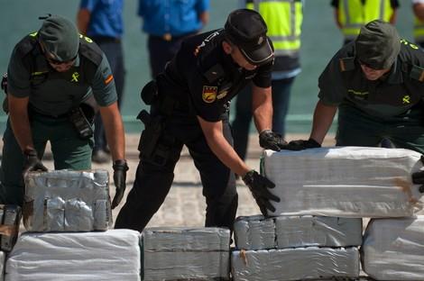 مصالح الحرس المدني الإسباني تحبط عملية تهريب الحشيش بميناء سبتة