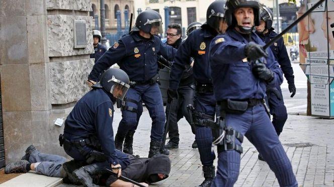 """شرطة إسبانيا تطلق الرصاص على مغربي هتف """"الله أكبر"""""""