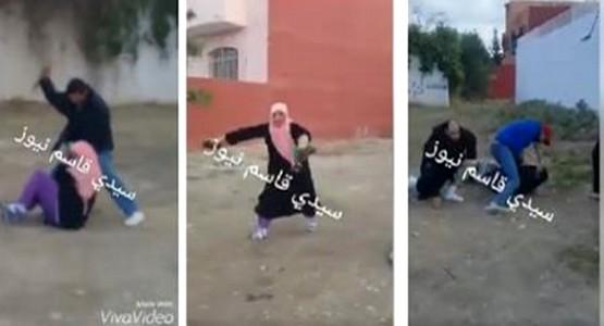 فيديو يهز موقع التواصل الاجتماعي فيسبوك: محاولة قتل زوج لزوجته .. و تدخل بطولي لأحد المواطنين