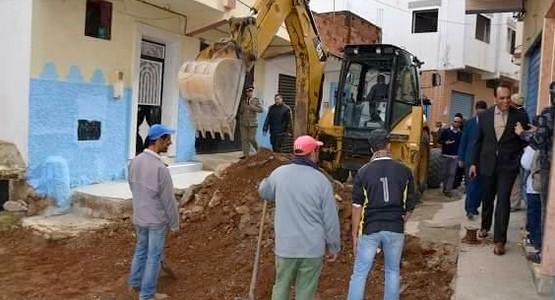 عامل إقليم المضيق الفنيدق يعطي انطلاقة أشغال تهيئة عدد من الشوارع والأزقة