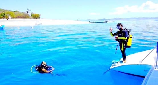 هكذا يستمتع الملك محمد السادس بوقته في أنقى جزر العالم (صور رائعة)
