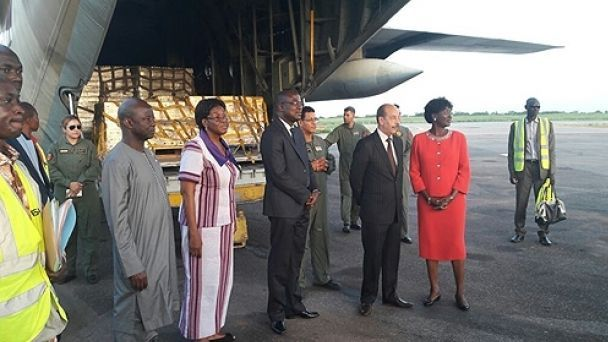 المساعدات الإنسانية المغربية تصل الأفارقة المطرودين من الجزائر