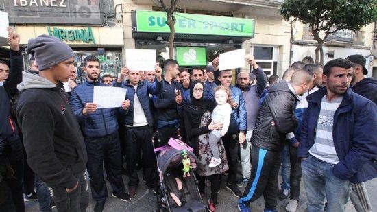 جزائريون يحتجون بمدينة سبتة المحتلة !
