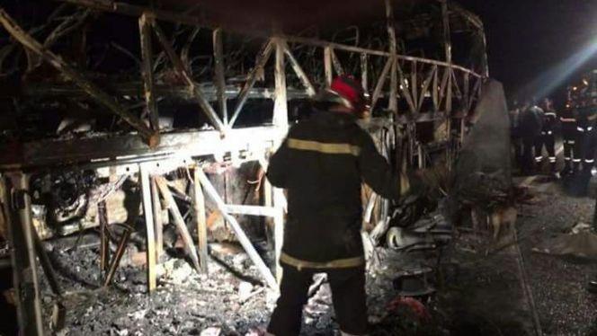 مصرع 10 أشخاص حرقـا في حادثة سير مميتة بأكادير (شاهد الصور)