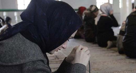 هكذا تدخل القضاء الإسباني لإنصاف مغربية عوقبت بسبب حجابها