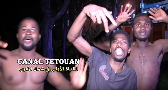 هكذا عبر المهاجرين الأفارقة عن فرحتهم بعد تمكنهم من دخول سبتة المحتلة (شاهد الفيديو)