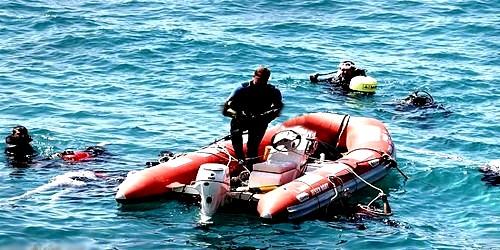 البحرية الملكية المغربية توقف قاربا للمهاجرين السريين بساحل سبتة