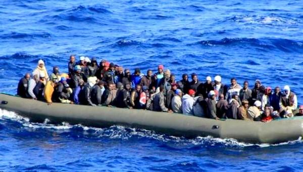 اعتراض سبيل 87 مهاجرا سريا ابحروا من سواحل الحسيمة