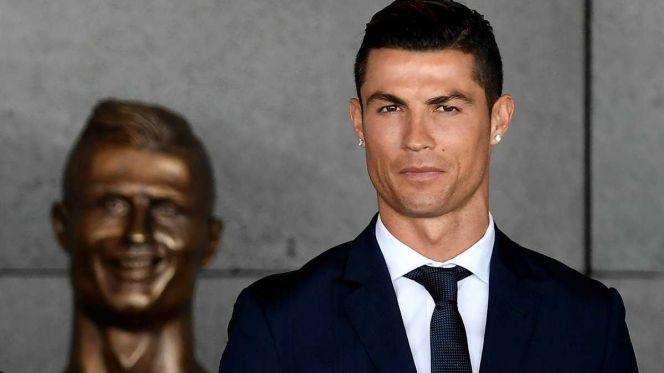 رونالدو يتصدر قائمة الرياضيين الأعلى دخلا في العالم للعام الثاني على التوالي
