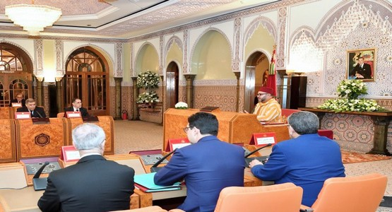 الملك يجتمع بوزراء من حكومة العثماني بمدينة تطوان