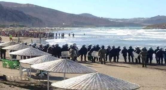 تنظيم مسيرة إحتجاجية بشاطئ الصفيحة بالحسيمة وسط حضور أمني مكثف ( الصور…)