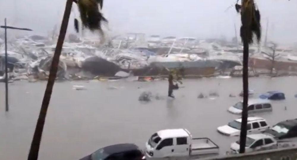 إعصار إيرما المدمر  يتسبب في حدوث خسائر كبيرة
