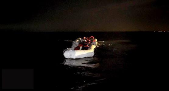 إيقاف 12 مغربيا من بينهم فتاة كانوا على استعداد للهجرة من طنجة