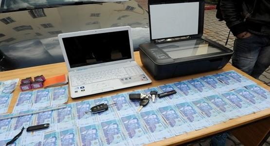 اعتقال شخصين بطنجة متخصصين في تزوير الأوراق النقدية و الشواهد الدراسية