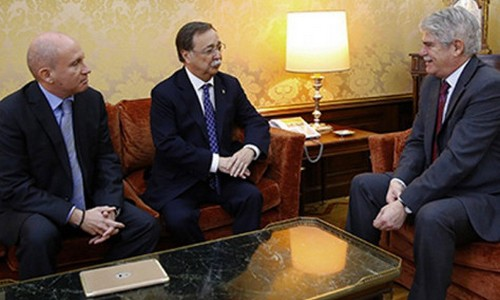 رسميا.. إسبانيا تدرس مراجعة امتياز دخول مغاربة الشمال إلى سبتة ومليلية بدون تأشيرة
