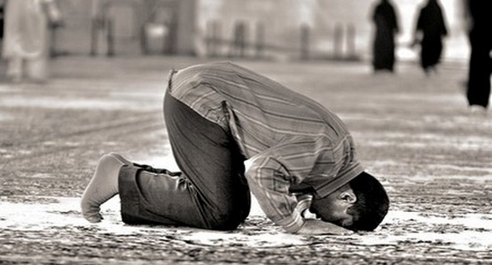حسن الخاتمة … وفاة شخص و هو ساجد أثناء الصلاة بحي بوسافو بتطوان