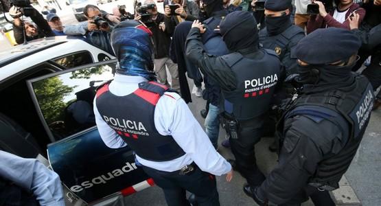 إسبانيا : اعتقال قاتلة مأجورة كانت في طريقها إلى طنجة