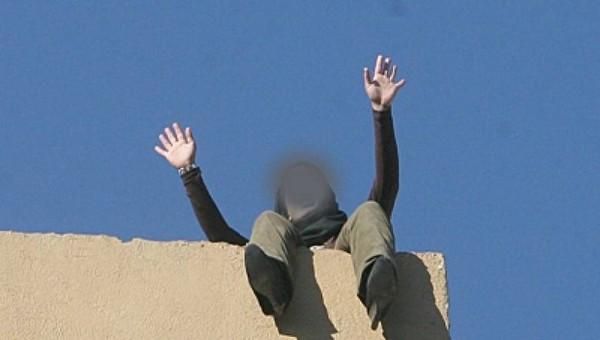 محاولة انتحار بطنجة ..فتاة عشرينية تثير الفزع بين المواطنين