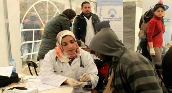 ماما حاجَّة طبيبة تطوانية تخاطر بحياتها لإنقاذ مهاجرين أفارقة