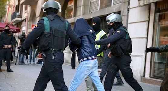 أحداث شغب بسبتة تنتهي باعتقال 33 مغربيا بينهم 12 قاصرا