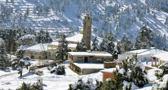 سلطات الحسيمة تنفي وفاة رضيع وفتاة بسبب البرد والثلوج