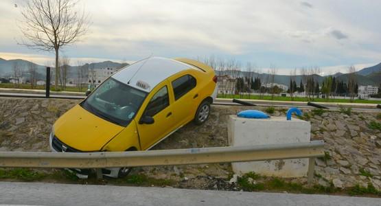 حادثة سير خطيرة بالطريق الدائري بتطوان (شاهد الصور)