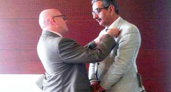 فرنسا توشح مدير أكادمية تطوان بالوسام الأكاديمي