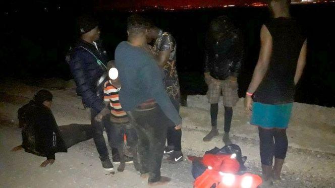 الجيش المغربي يتدخل وينقذ طفلا عمره ست سنوات حاول الهجرة سرا لاسبانيا