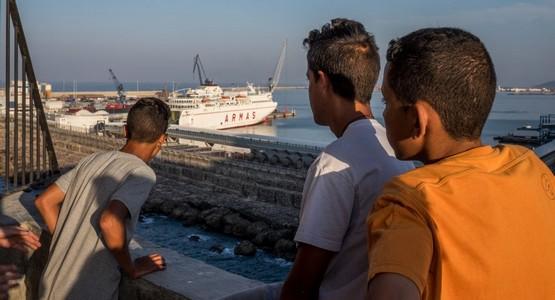 منظمة تطالب المغرب وإسبانيا بالتحقيق في اختطاف والمتاجرة بقاصرين مغاربة بسبتة ومليلية