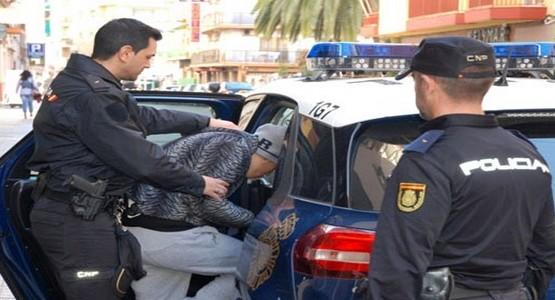 ايقاف 7 تجار مغاربة بإسبانيا يزورون ماركات عالمية لملابس رياضية