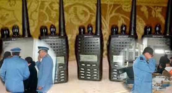 مغربي يهرب أجهزة اتصال لاسلكية داخل ملابسه بمعبر سبتة