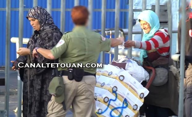 """تجار سبتة يطالبون السلطات بفتح معبر """"تارخال"""" خوفا من الإفلاس"""